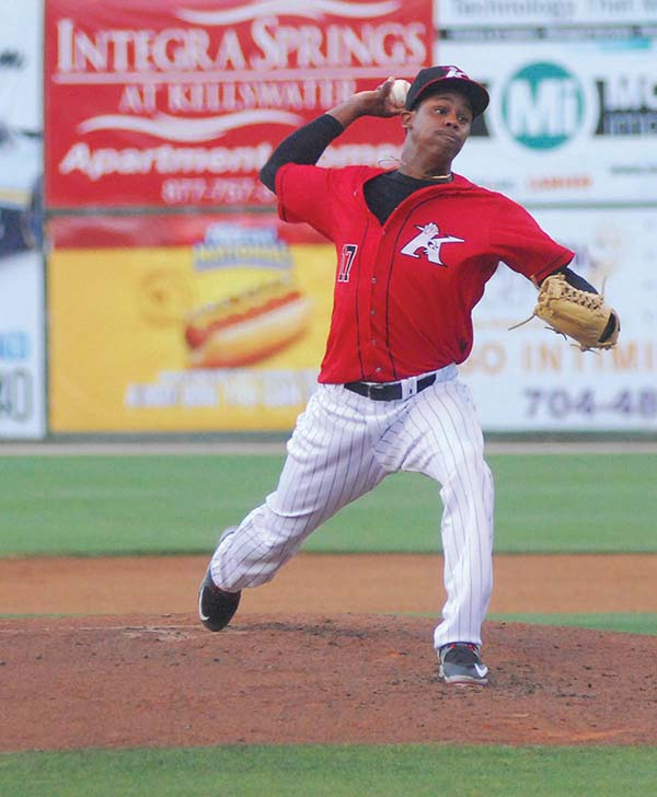Intimidators: Almonte Shuts Down Legends