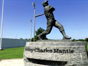 This is the statue of Mickey Mantle at the field where he played high school baseball in Commerce, Okla. Photo by David Freeze.